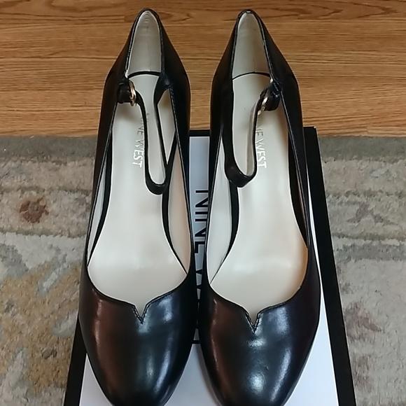 0ffe44d855e0 NWOT Nine West black ankle strap heels